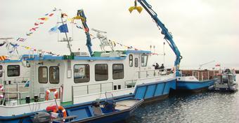 Specjalistyczne statki oczyszczą Wielkie Jeziora Mazurskie